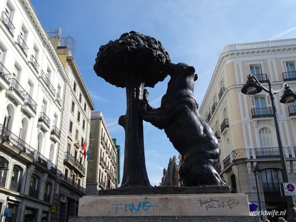El oso y madroño, het symbool van Madrid