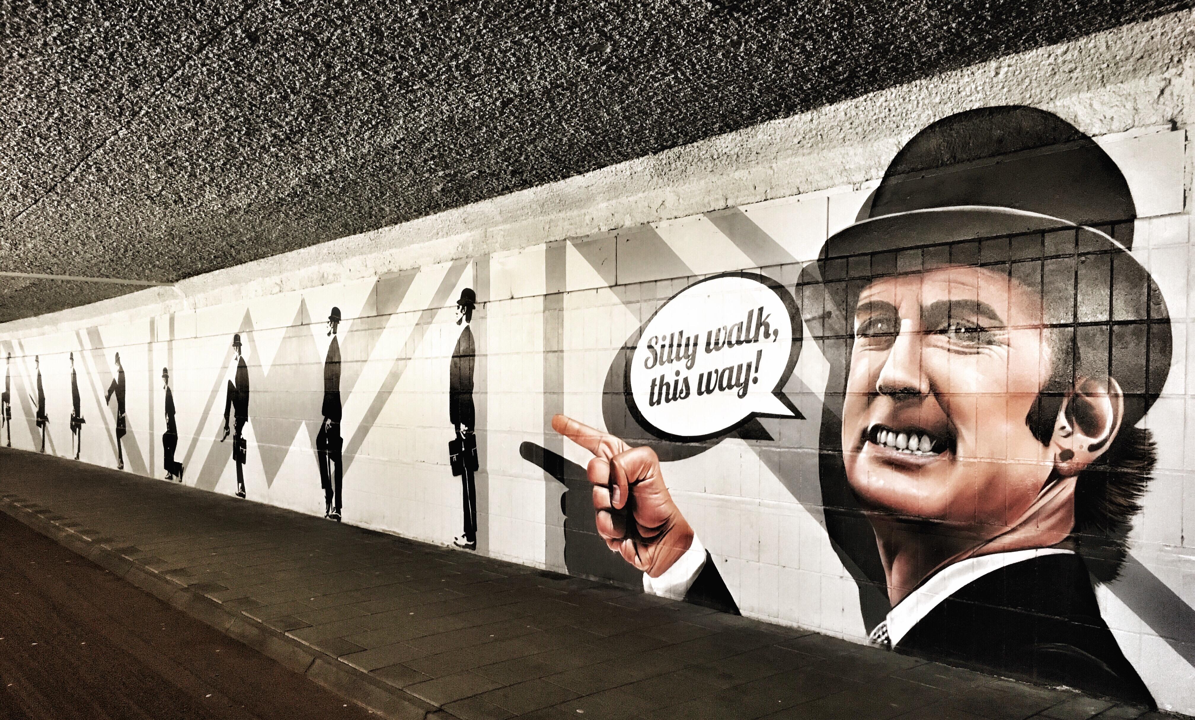 street art eindhoven silly walk