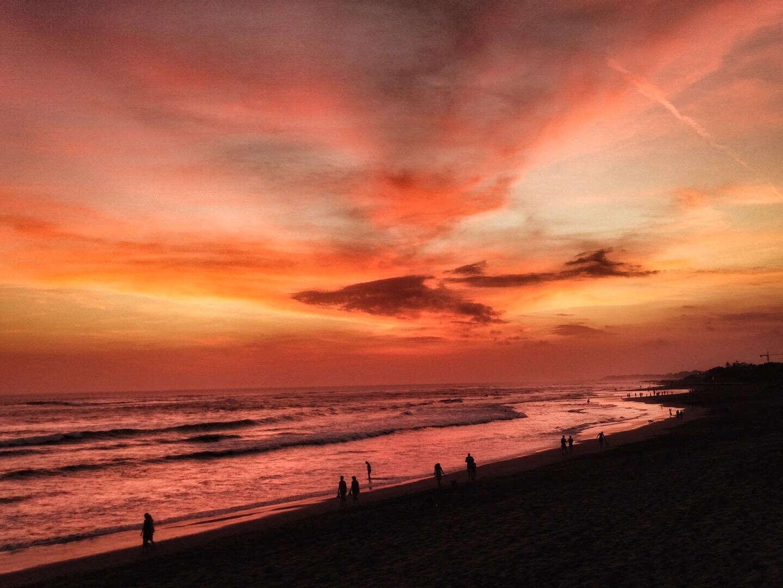 zonsondergang finns beach club canggu sunset