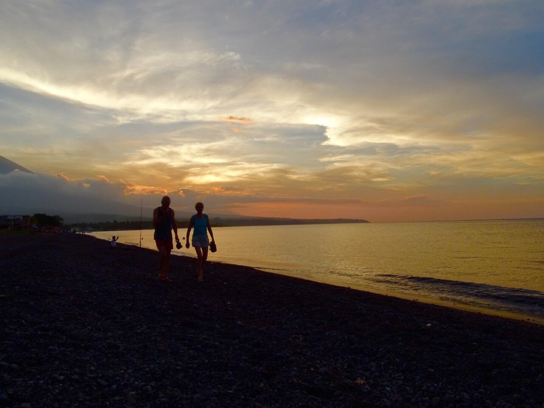 sunset amed beach zonsondergang