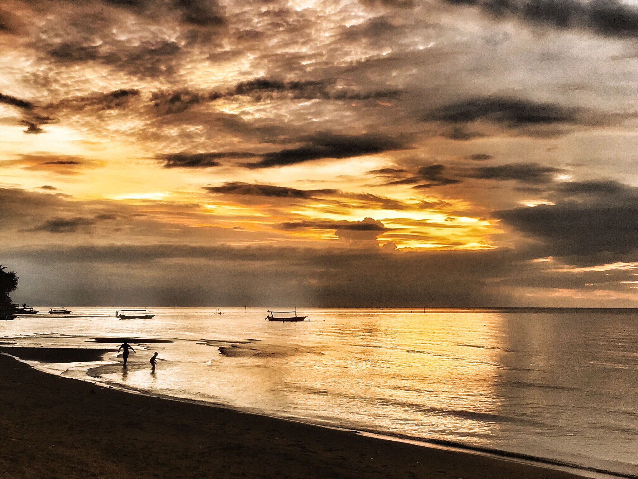 zonsondergang sunset lovina beach bali