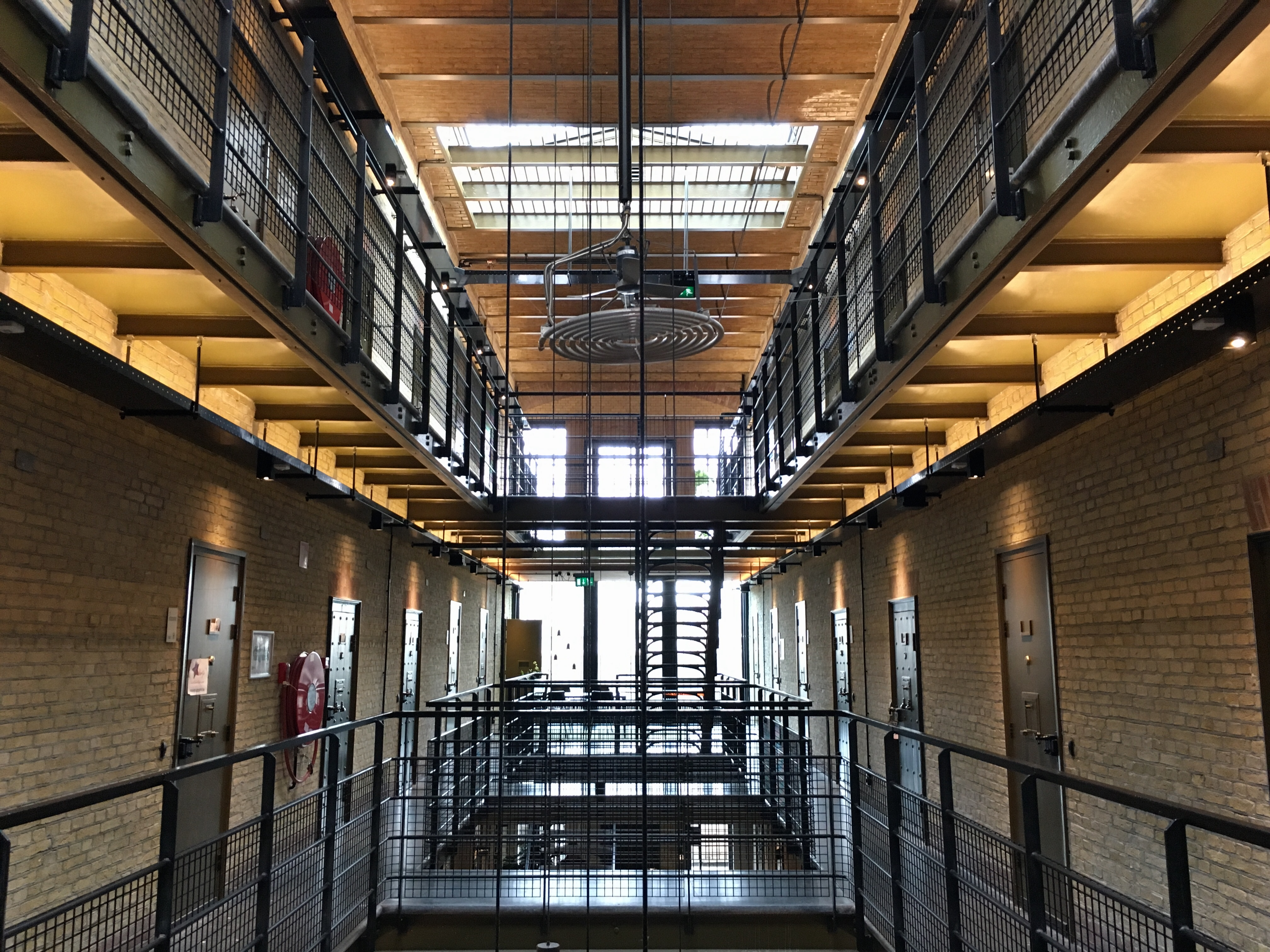 slapen in een gevangenis