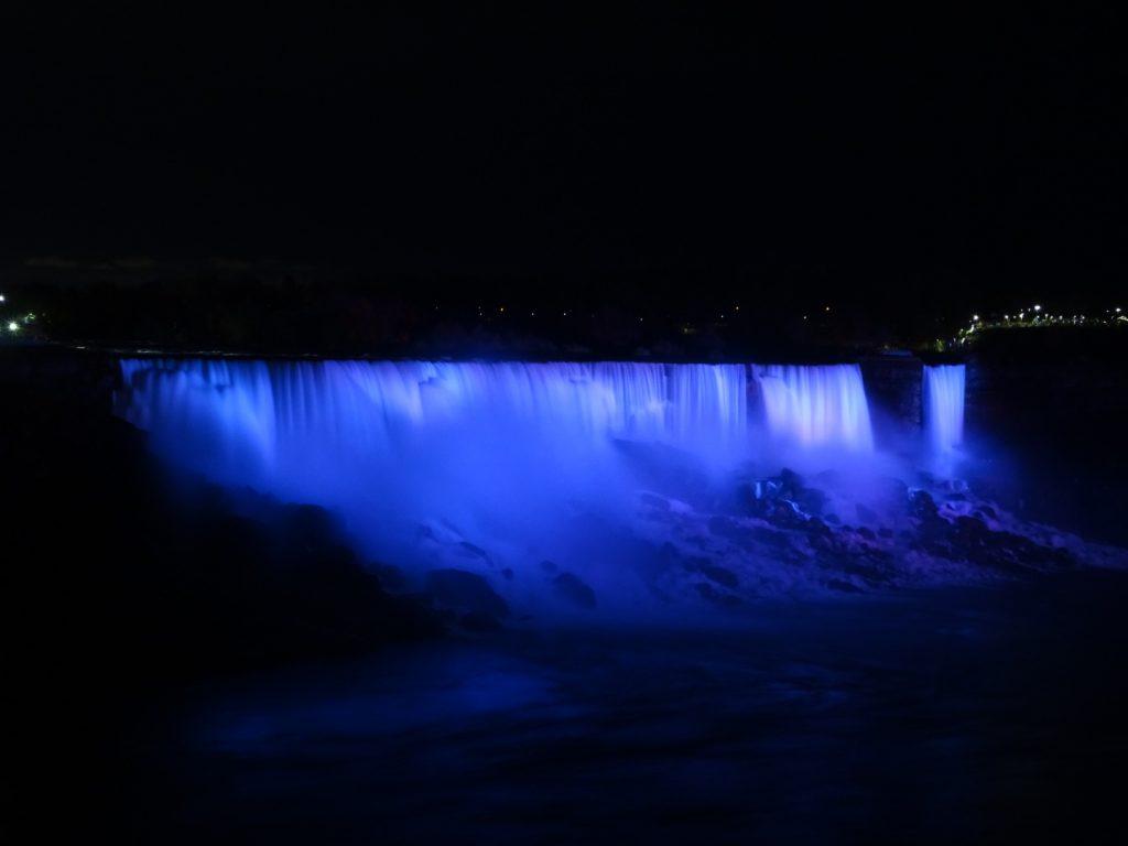 Niagara watervallen verlicht