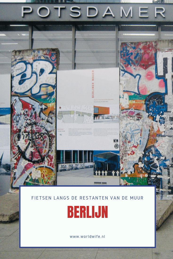 Pak de fiets tijdens je stedentrip in Berlijn en rij ermee langs de restanten van de muur #stedentrip #berlijn #fietstour