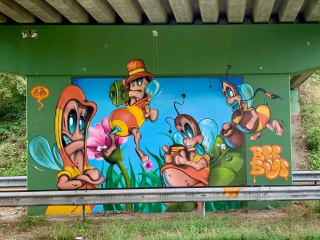 Street art Weert Hushoverbrug Bee Boys